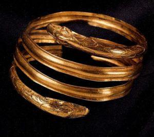 bracciale etrusco - la condizione della donna etrusca - fondazione sorbello